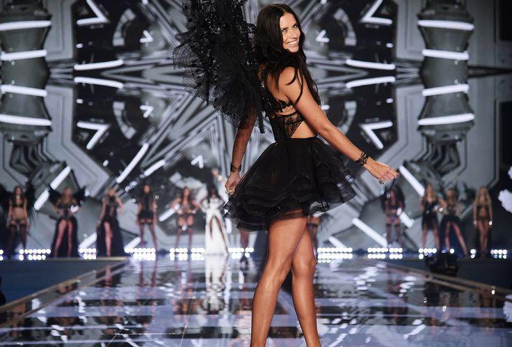 VICTORIA SECRET΄S ANGELS  fashion show.