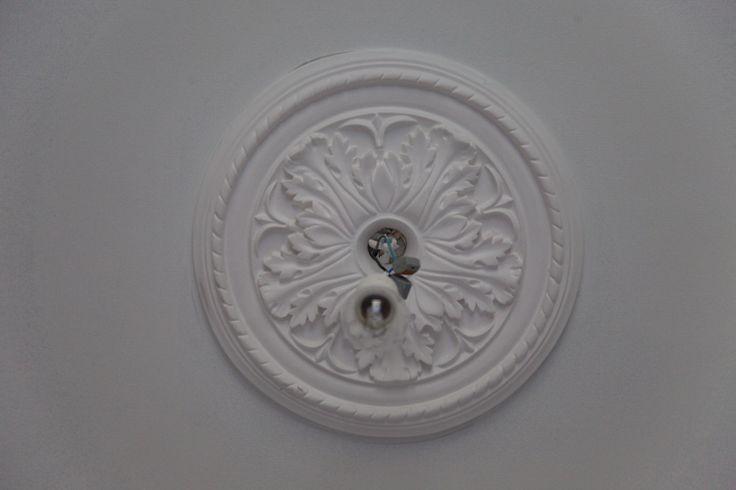 Vihreä talo - sisustusblogi: Kipsirosetit kattoon Domus Classicasta