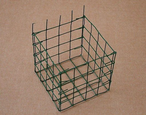craft chicken wire wire basket diy diy ideen wire basket 1458
