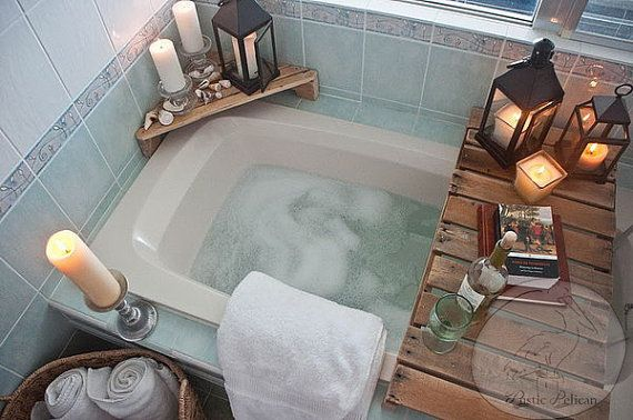 Hey, I found this really awesome Etsy listing at https://www.etsy.com/listing/228097464/reclaimed-pallet-wood-bathtub-caddy