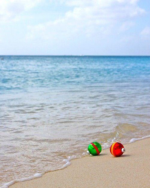Christmas+Ornaments+on+the+Beach+Photo+Greeting+Card+Idea