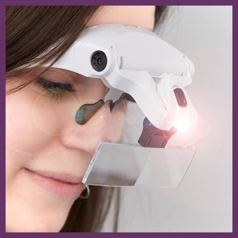 The Glamcor Classic Elite Lamp is an essential for eyelash extension technicians, nail technicians and makeup artists to help produce the best results.