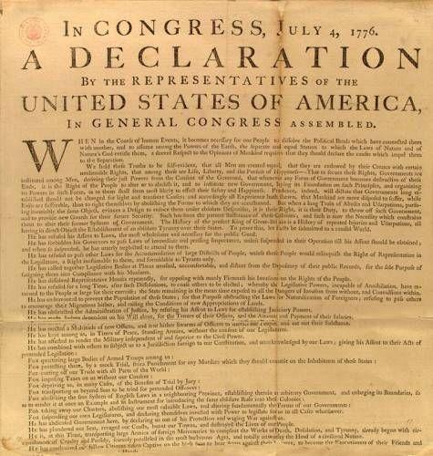 Quando re Giorgio dichiarò che le colonie si erano ribellate, si diede vita ad un congresso a Filadelfia, che diede il comando dell'esercito al generale George Washingto. Questo riuniva delegati da tutte le colonie e prese provvisoriamente il ruolo di governo centrale per tutte le colonie. La vera dichiarazione di indipendenza fu il 4 Luglio 1776, quando il Congresso approvò il documento redatto da Thomas Jefferson.