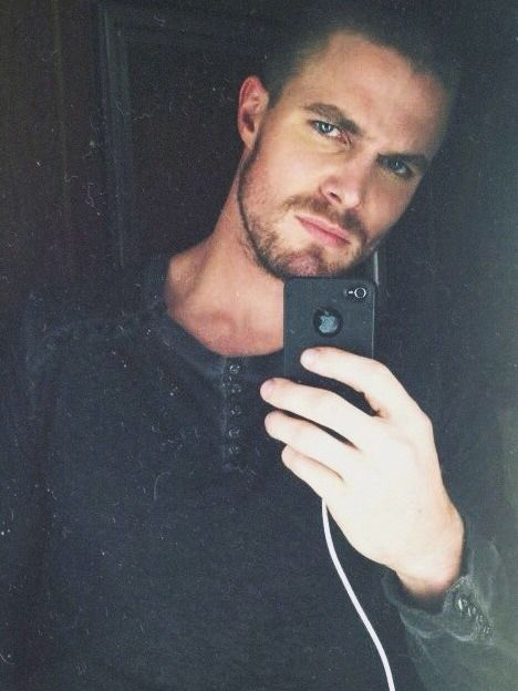 stephen amell brother