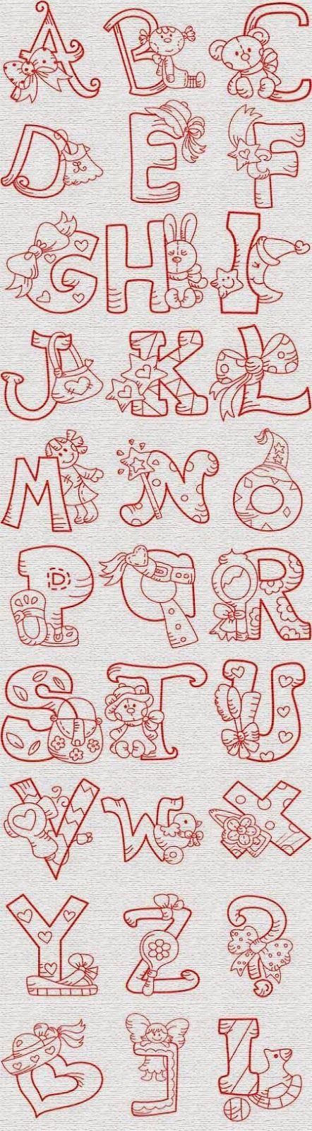 Alfabeto con juguetes y cosas de nena.