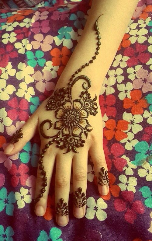 Mehndi Hands With Mobile : Facebook dp a collection of ideas to try about