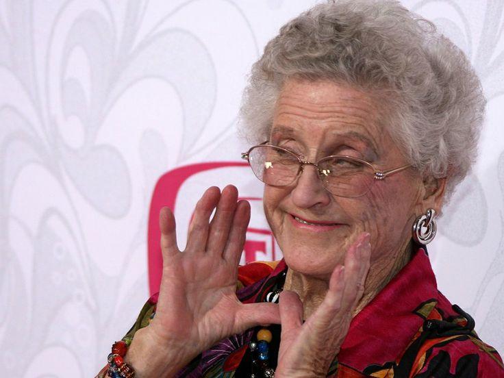 Ann B. Davis, Alice on 'Brady Bunch,' Dies at 88