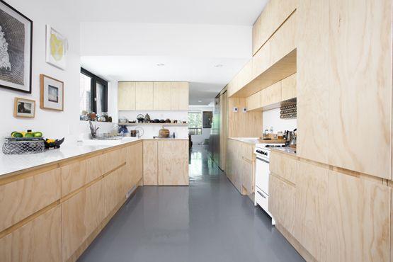 Cuisine moderne en contre-plaqué de merisier - par La Firme - Montréal // Moderne plywood kitchen - by La Firme - montreal