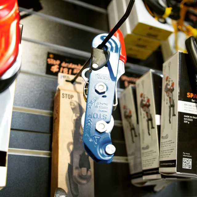 One of our favourite #descenders the #STOP #by @petzl