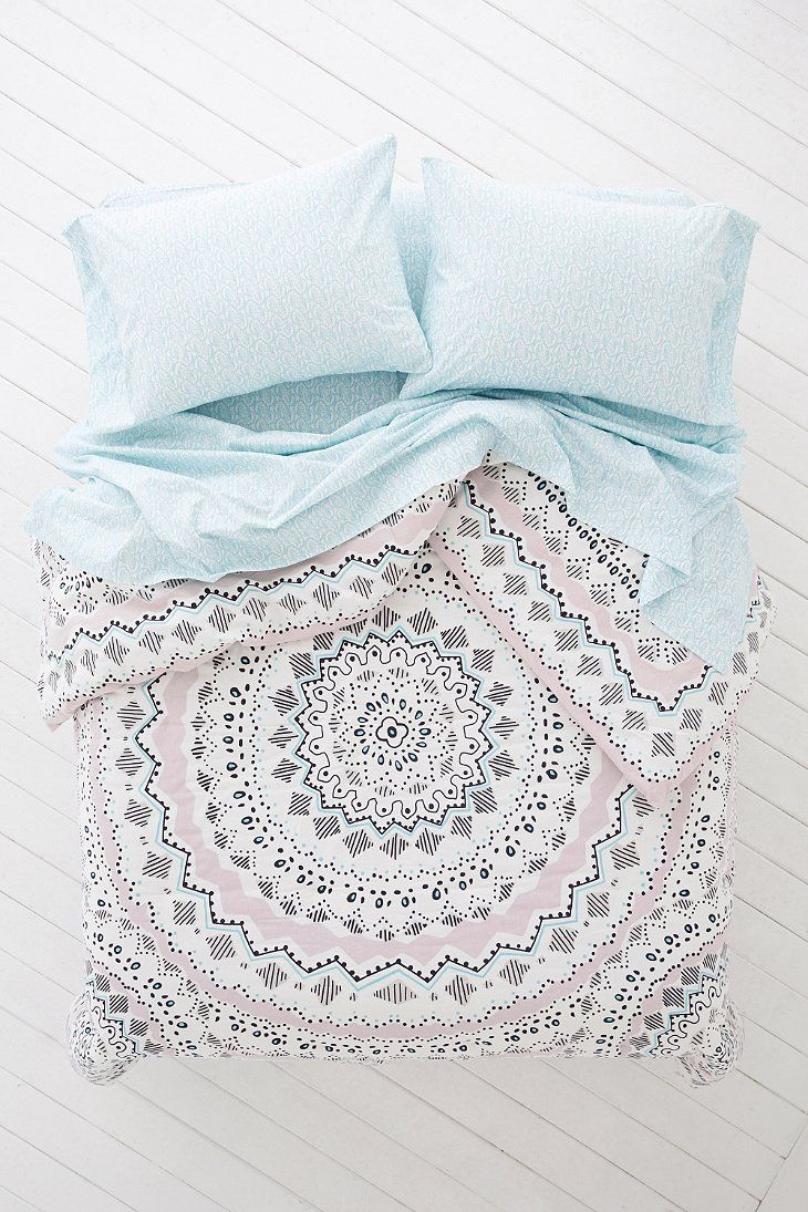 Bedding jardin collection bedding collections bed amp bath macy s - Plum Bow Mia Medallion Comforter Snooze Set