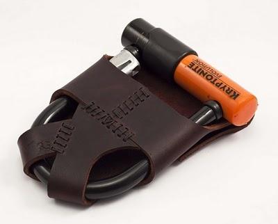 Brilliant idea U-lock carried like a saddle bag
