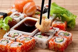 доставка суши Суши появились в Европе в 1980 году, а к нам, в Россию пришли спустя пятнадцать лет