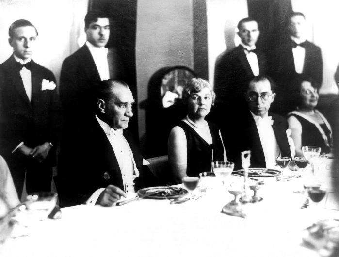 Arşivden çıkan Atatürk'ün bilinmeyen fotoğrafları / 17 Foto Galeri Haberi için tıklayın! En ilginç ve güzel haber fotoğrafları Hürriyet'te!