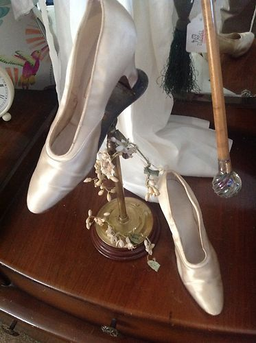Original silk vintage 1920s wedding shoes