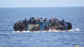 Italiaanse kustwacht bergt zeven lichamen bij omgeslagen migrantenboot