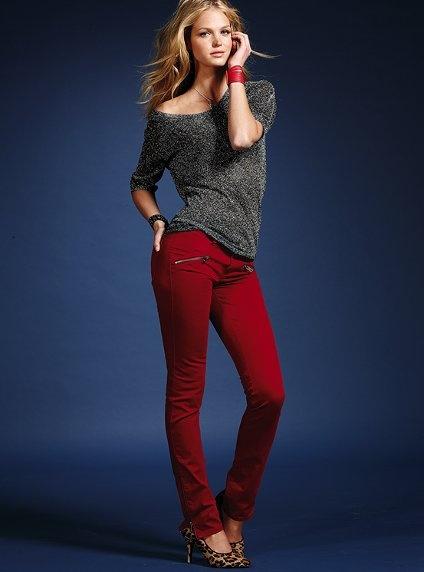 девушки в джинсовых штанах фото