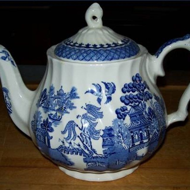 History of Blue Willow China