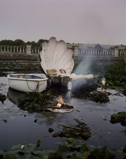 TIM WALKER: CLEMENTINE KEITH-ROACH & HER OYSTER SHELL BED,  NORTHAMPTONSHIRE, UK, 2010  CASA VOGUE