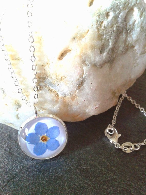 This is one of my personal favourite products that I make. I love how the colour of the flower pops out from crisp white background. Forget-Me-Nots are traditionally worn to remember those that have died as a symbol that they may be gone but theyre not forgotten. They also symbolize true love. The forget-me-not flowers are a medium, true blue, and as the name suggests, they are given or used to decorate gifts with the hope the recipient will not forget the giver. It also symbolizes faithful…