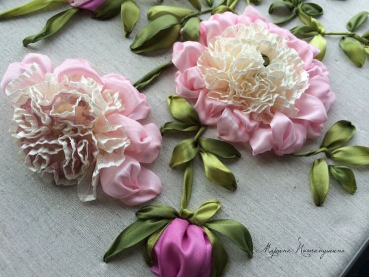 The most beautiful ribbon embroidery I have ever seen. I like that the flowers…