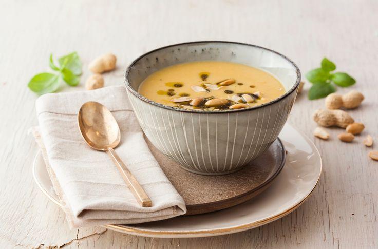 Krem z dyni i ziemniaków z orzeszkami arachidowymi i pesto bazyliowym #intermarche #dynia #ziemniak