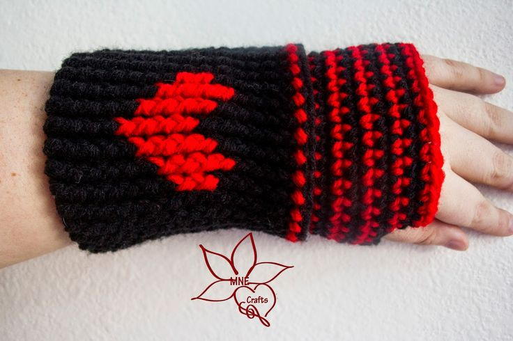 MNE Crafts: Warmed with Love Fingerless Gloves