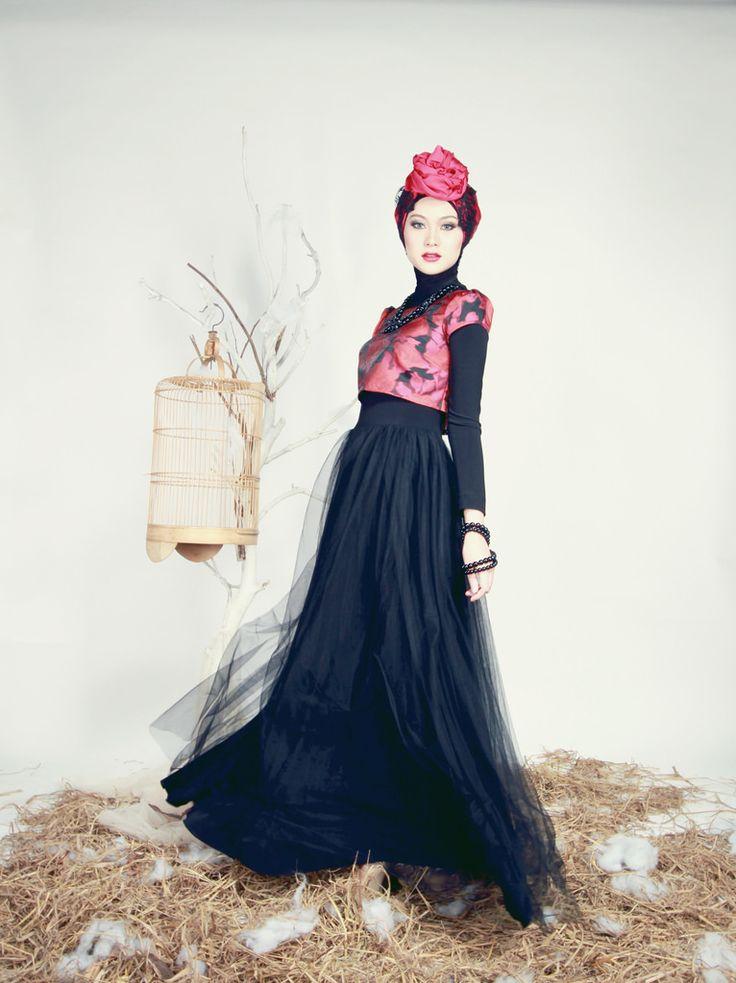 https://www.instagram.com/wrdnfashionindo/ - Indah Nada Puspita - Hijab Fashion Blogger