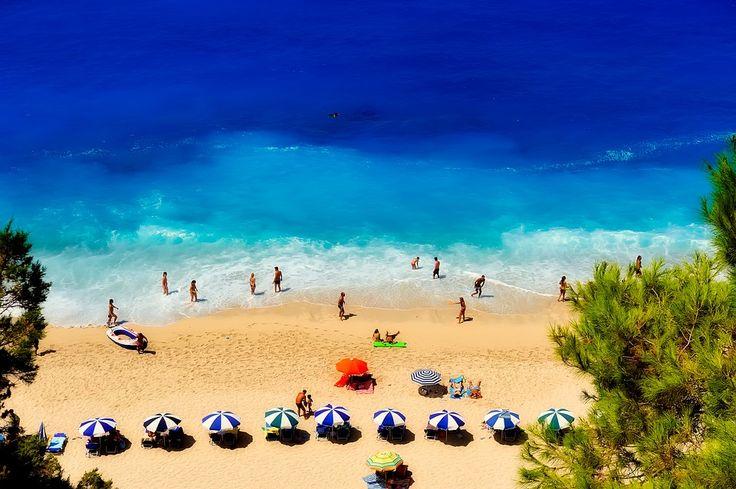 Tax Cuts Will Boost Greek Tourism's Competitiveness, SETE Says.