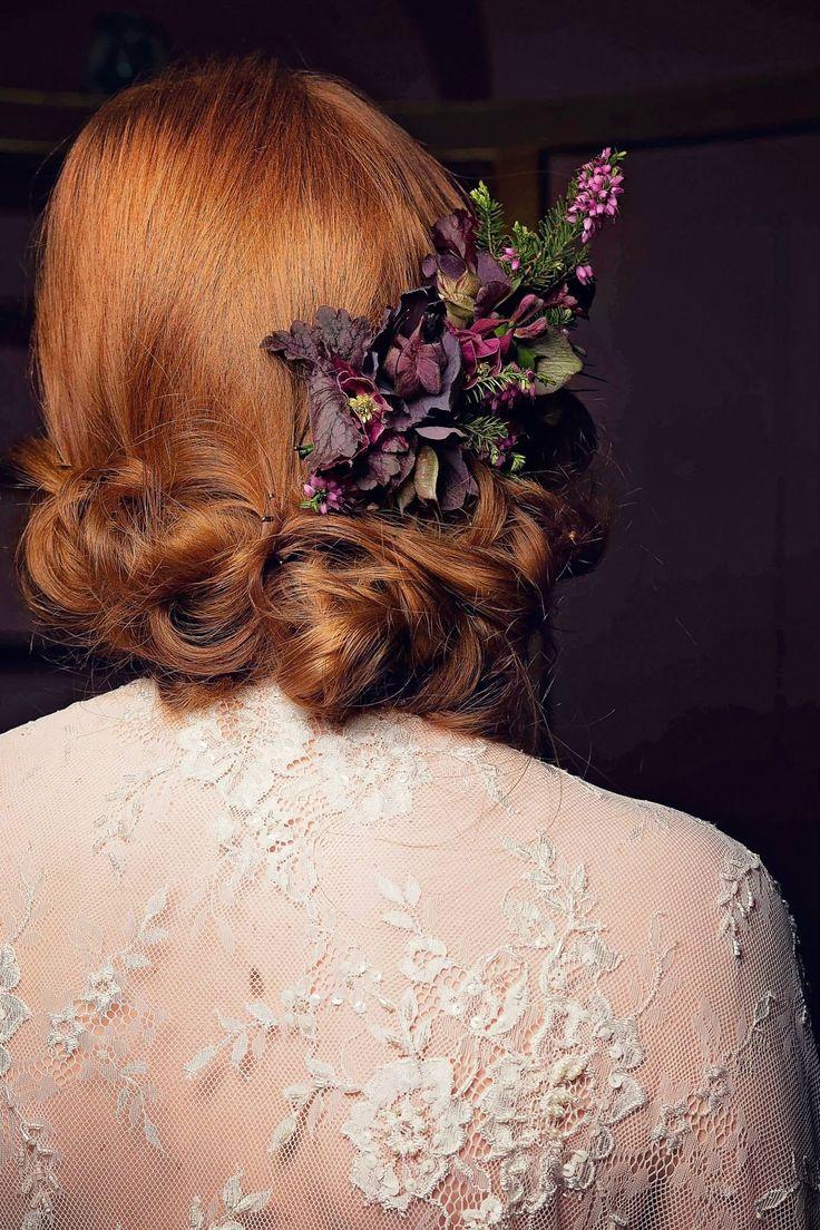 Hellebore hair clip