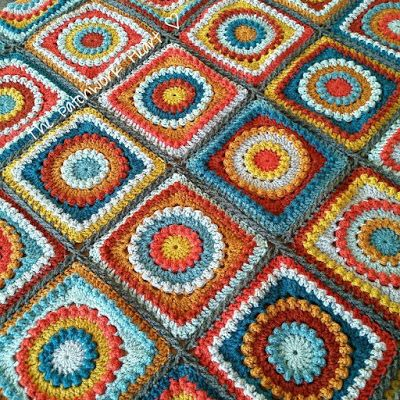 An example of how to plan crochet colors to achieve an even distribution.