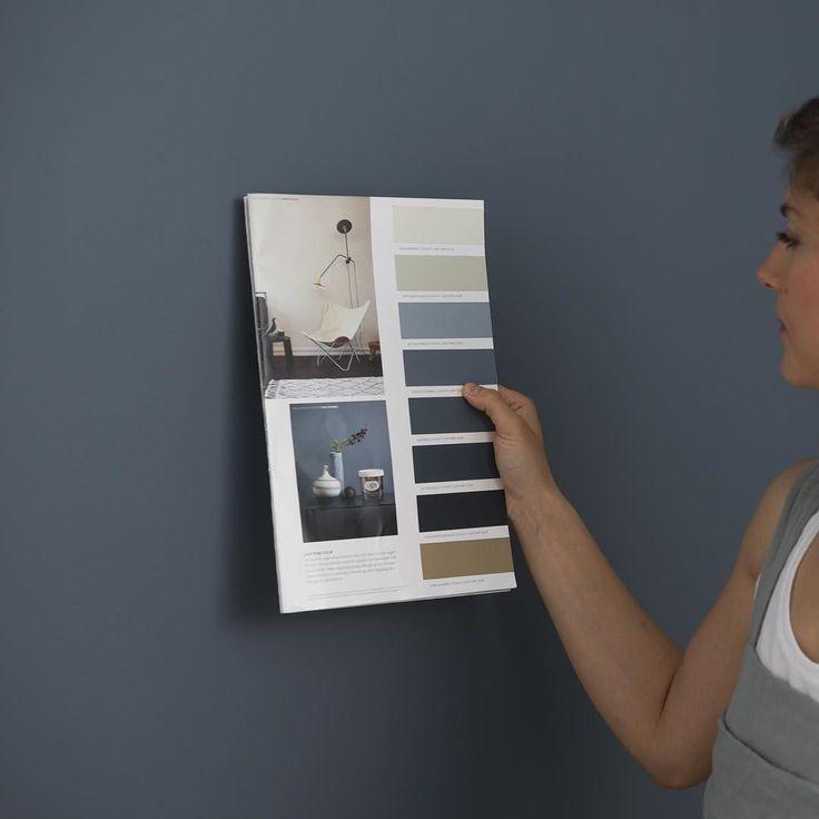 Mange har spurt hvilken farge paret i reklamefilmen maler med. De maler med den supermatte LADY Pure Color i fargen LADY 4477 Deco Blue; Elegant dyp og rolig. Det er noe royalt og eksklusivt over denne fargen noe som gjør at man lett fascineres. Sett den inntil de varme grå beige og greige fargene og løft interiøret til nye høyder! Les mer om den og matchende farger link i bio. #reklamefilm #ladypurecolor #ladydecoblue #decoblue #soverom #stue #blå #jotunlady #jotun by jotunlady