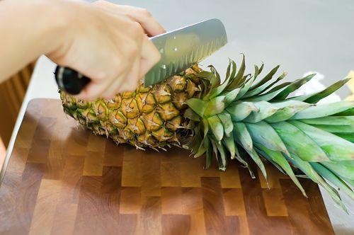 How To…Cut Up a Pineapple: Fourthfood 084 2, Cut Pineapple, Pineapple Quick, Fresh Pineapple, Pineapple Printable, Clean Ideas, To Cut, Cut A Pineapple, Bakingcook Ideas
