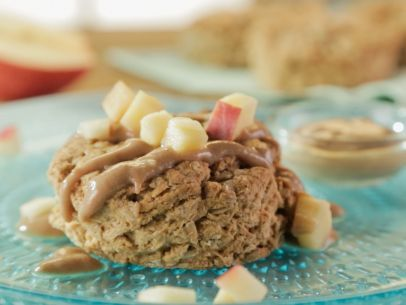 Get this all-star, easy-to-follow Oatmeal Biscuits with Apple Butter Yogurt recipe from Trisha Yearwood