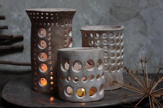 Centrotavola in ceramica. Tre lanterne con di NidaCeramiche