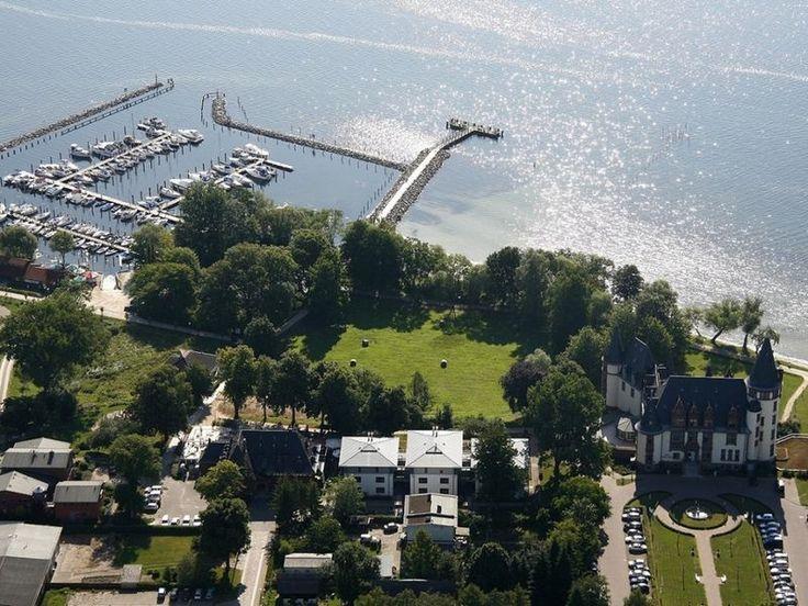60m², 4 Personen: Lifestyle-Appartements Lakeside Müritz, stilvoll eingerichtet, Balkon oder Terrasse, Seeblick, Wellness- und Fitnessbereich, Panoramaschwimmbad