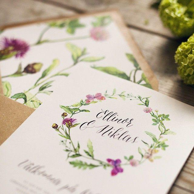 Glad midsommar! Foto av: @malin_kihlstrom_photography #weddinginvitation #envelopeliner #weddingdesign #weddingtheme #bröllop2015 #bröllop2016 #bröllopstema #bröllopsdesign #bröllopsinbjudan #invite #weddinginvite #kuvertfoder #weddings