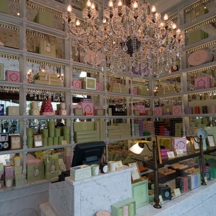 I want my boudoir to look like Laduree Paris...(some very tasty macarons) Does this make sense to anyone else but me?