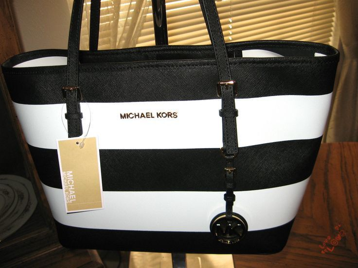 Michael Kors Jet Set Travel Large Ivory Totes Is Widely Used By More And More People All Over The World!