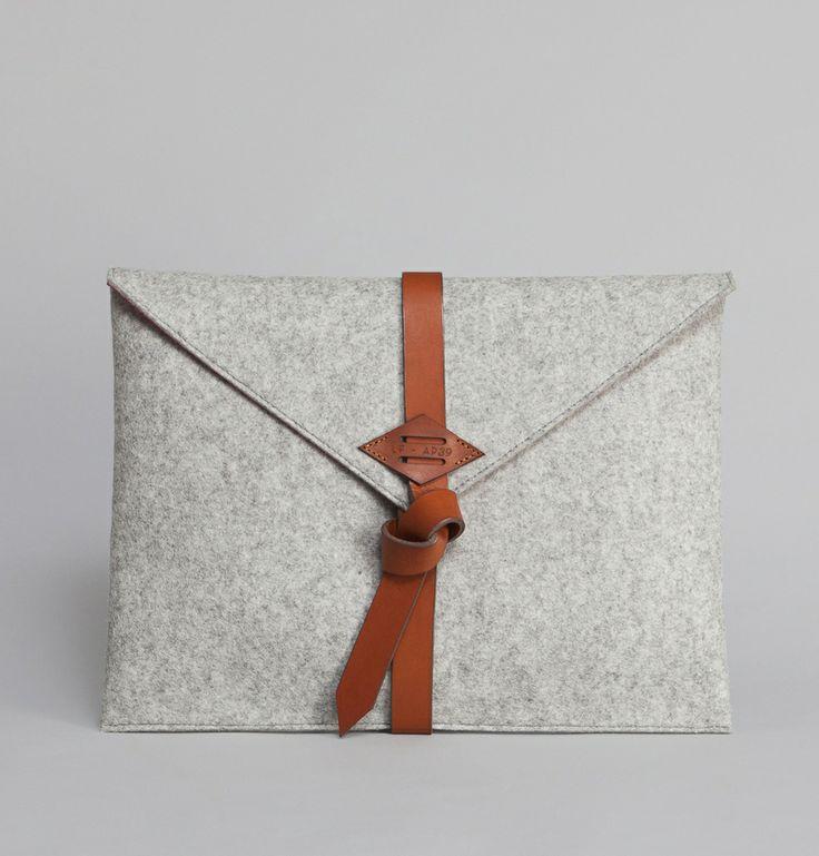 Pochette Ordinateur Gris Léon Flam en vente chez L'Exception