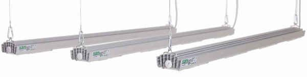 S4W Modular Betrieb nebeneinander im Grow Room von jeweils 140Watt Panelen im LED Grow Lampen Test