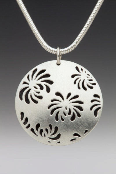 Stand Out Designs Jewelry : Sawed and pierced jewelry a collection of ideas to try