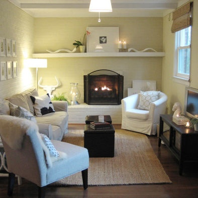 Basement family room small family room design pictures for Small den with fireplace