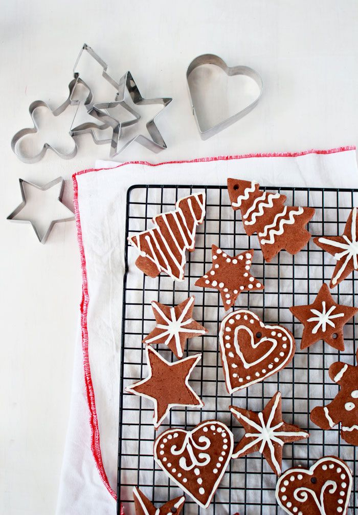 One for the Gingerbread haters: Chocolate Sugar Cookies! They might look like gingerbread, but they are SO much better!