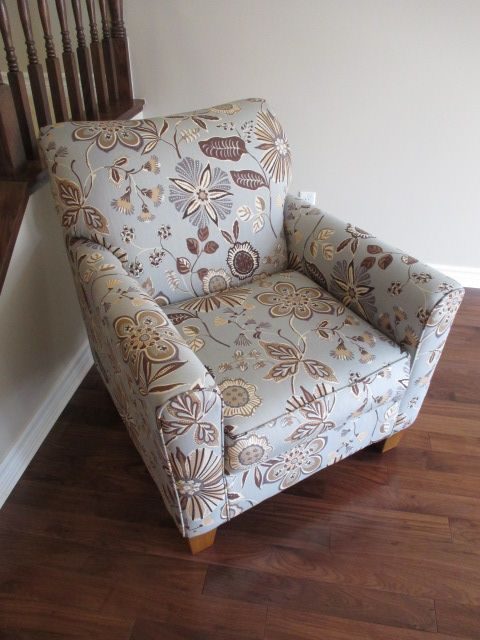 ASHLEY ACCENT CHAIR Content sale from trendy Barrhaven home – 216 Serena Way, Ottawa ON. Sale will take place Saturday, April 18th 2015, from 9am to 2pm. Visit www.sellmystuffca... for full sale description & photos of all available items!