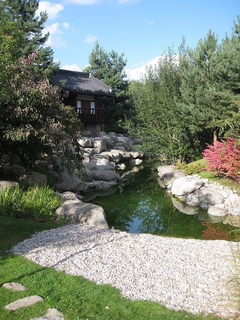 Korean Garden--elements--water, rocks, flowers, evergreen