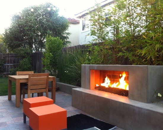 Large outdoor fire space