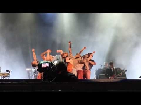 Florence + The Machine - Queen Of Peace live at BST Hyde Park London 2/7...