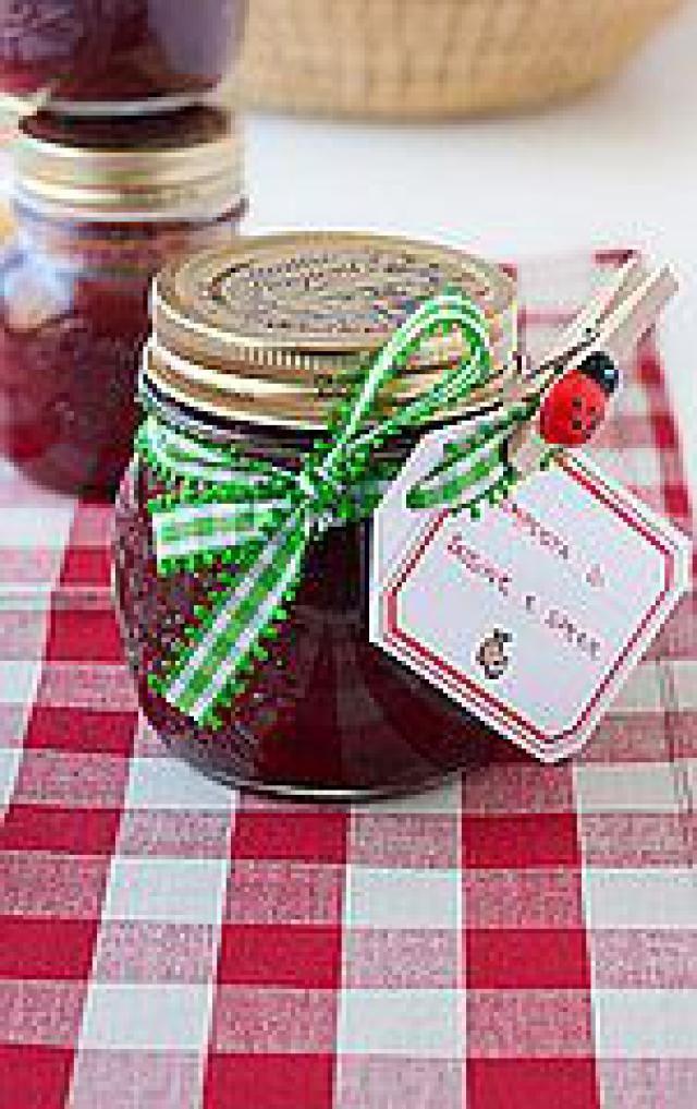 6 Fresh-Fruit Jam Recipes With a Lower Sugar Load: Low-Sugar Spiced Plum Jam Recipe