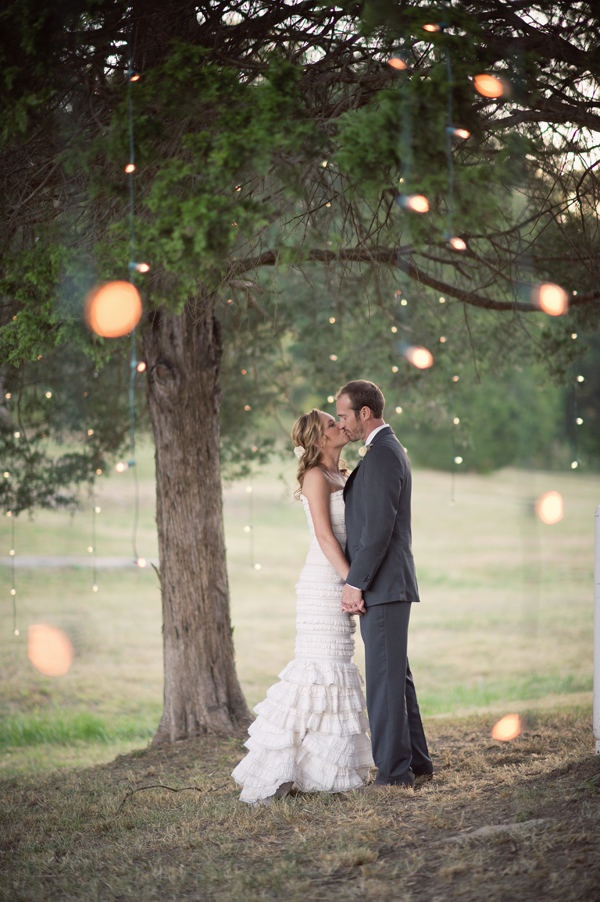 I can't wait for twilight in the courtyard with all the soft twinkly lighting at MY wedding...this is so pretty