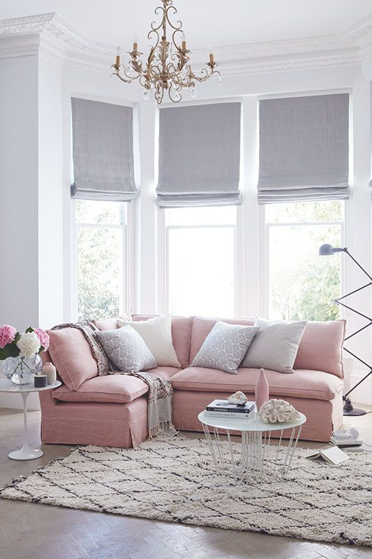 This sofa has no arms, which means you can maximise the space without it seeming too large-- seat more people without your sofa taking up more room. This corner sofa is shown in pink Belgian linen but can be made bespoke with a variety of different colours and fabrics.